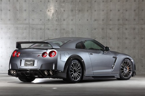 Tommy_kaira_silver_wolf_nissan_gt_2