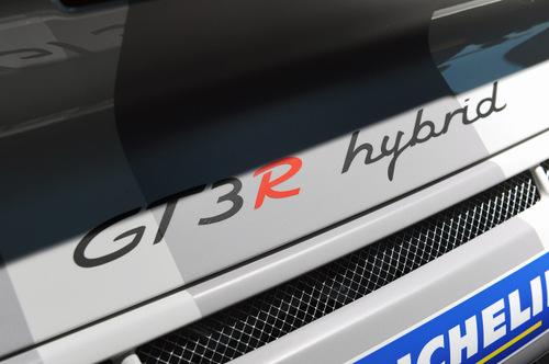 13_porsche_911_gt3_r_hybrid
